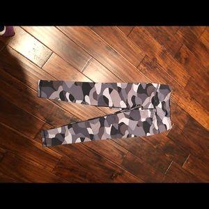 Camo Victoria's Secret workout legging